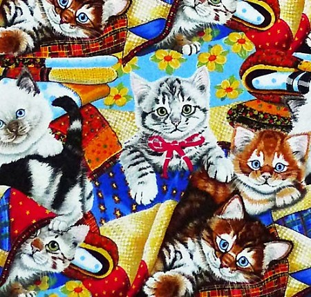 Fat Quarter - Puppies & Kittens - Kittens on Quilts